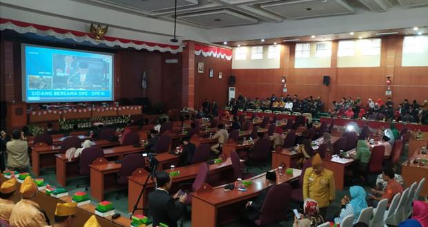 Raperda Pengelolaan dan Retribusi Pelayanan Pemakaman Disetujui DPRD Depok
