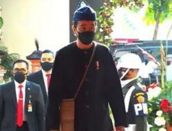 Hadiri Sidang Tahunan MPR: Jokowi Kenakan Sandal dan Tas Koja Khas Baduy